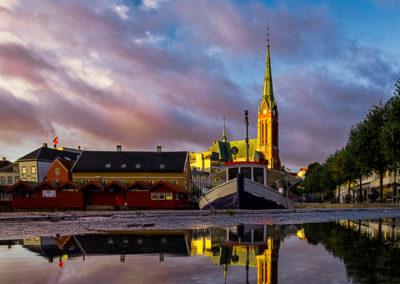 1. Jarle Ivarson Kvam - Hav og himmel, på et fortau.. (76 poeng)